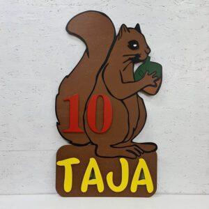 leseno darilo znak za obletnico veverica